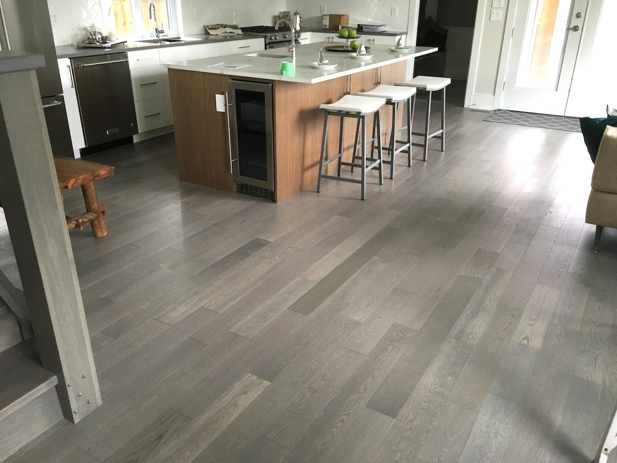 North vancouver doran rd laminate project vancouver for Laminate flooring vancouver